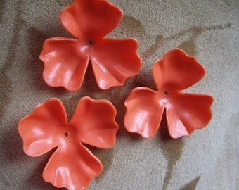 Vintage Lucite plastic flowers beads, orange, 48mm, Lot of 4