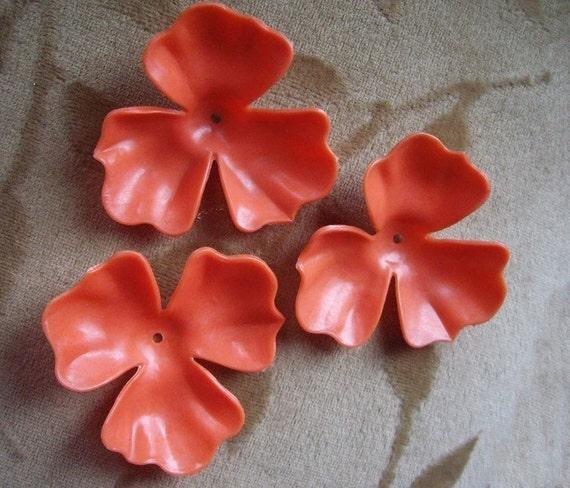Vintage Lucite Plastic Flowers Beads Orange 48mm Lot Of 4