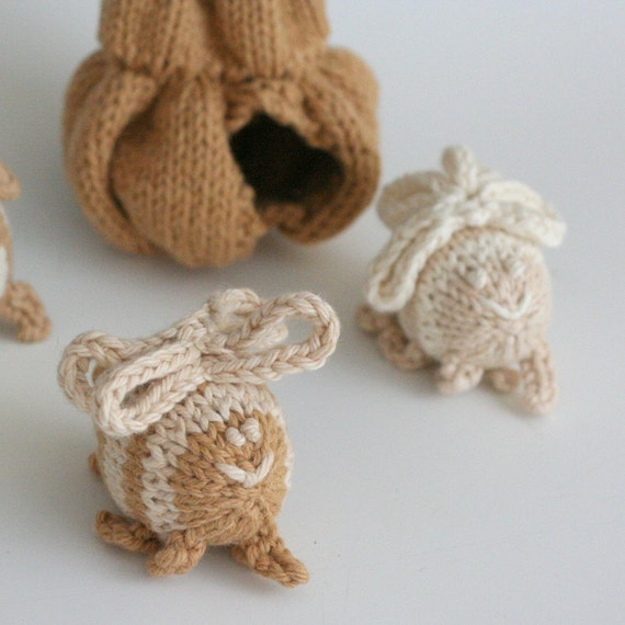 "Itty Bitty Bee Hive - Hand Knit Organic Cotton Honey Bees Play Set, Hive is 8"" Tall"