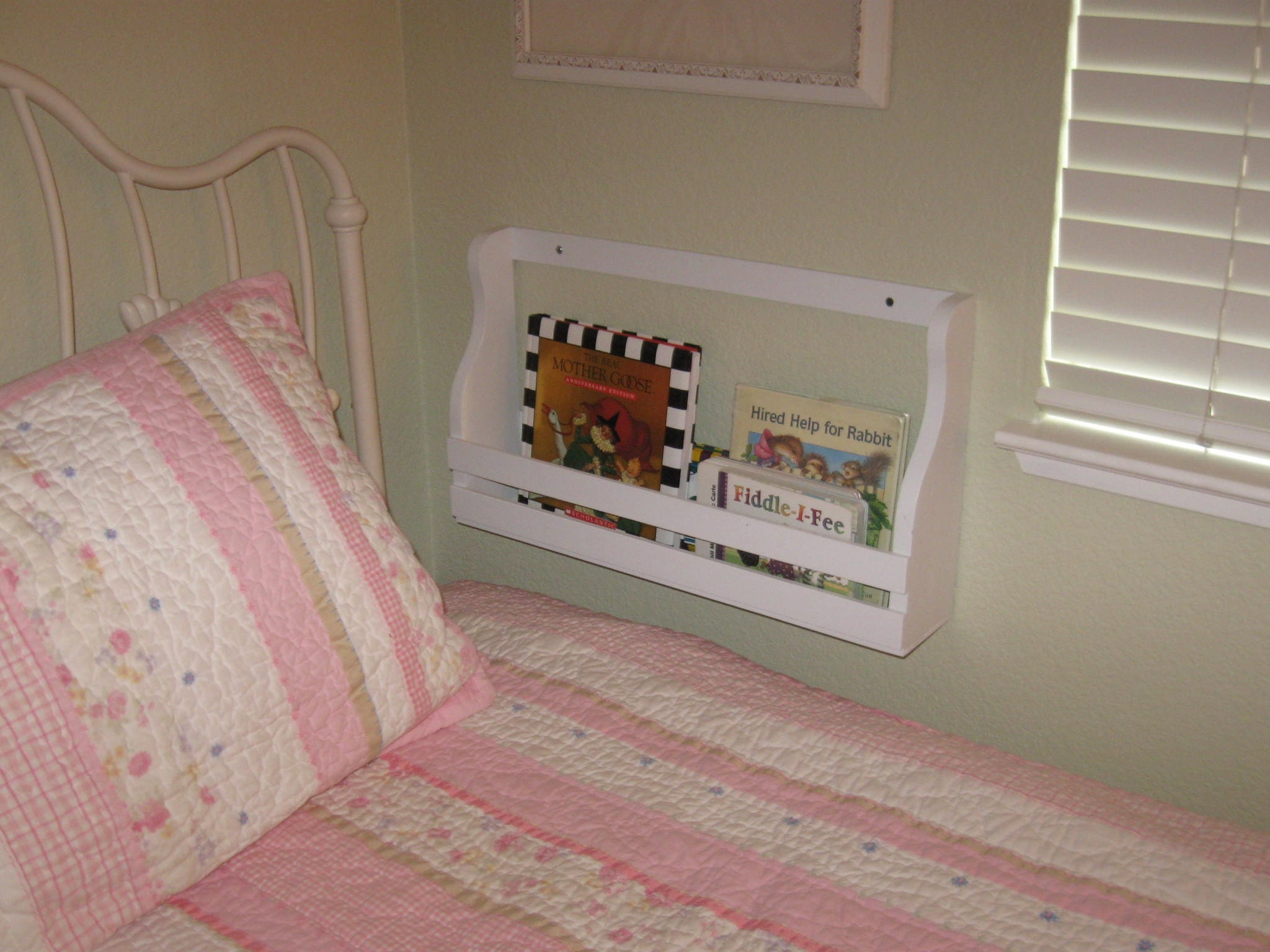 Book Rack Holder Shelf Wall Mount 18 Inches Long Pg Pine For
