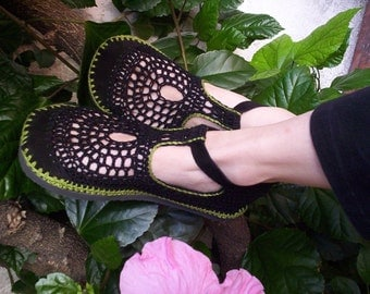 Mary Jane crochet SHOES - Black and Apple Green - CUSTOM MADE -