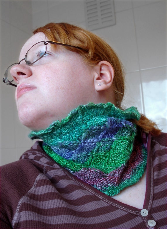 Rainbow Scales Cowl PDF Entrelac Knitting Pattern