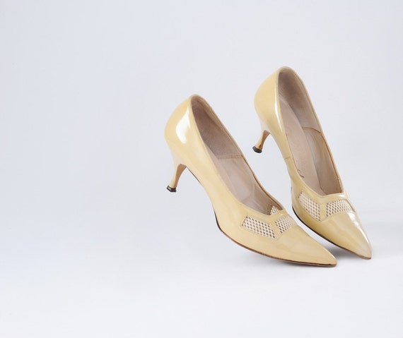 60's Pale Sandy Yellow Heels
