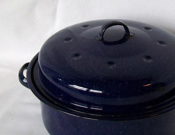 Vintage Enamel Round Roasting Pan Medium Roaster with Lid Blue