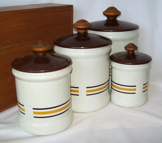 Kitchen Canister Set Wooden Knobs Vintage West Bend Aluminum Brown White 4 Sizes Metal Plastic Wood