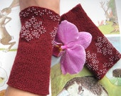 Flower-handknitted claret red beaded Lithuanian wrist warmers