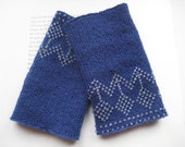 Ethnic - Flower - beaded blue handknitted Lithuanian woolen wrist warmers