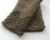 Waved handknitted beaded grey lithuanian ethnic arm warmers. Warm up your arms