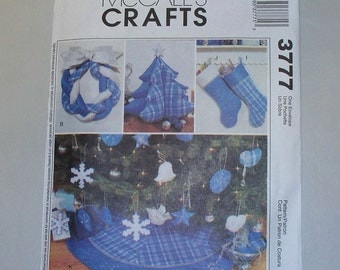 New McCall's Christmas Decorations Pattern 3777 (Free US Shipping)
