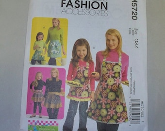 New McCall's Apron Pattern, M5720, Mommy and Me  (Free US Shipping)