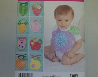 New Simplicity Baby Bib Pattern, 2273 (Free US Shipping)