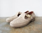 LUCKY SALE vintage 80s moccasins / t strap sandals / oatmeal leather / 6