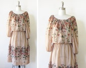 1970s dress / vintage 70s boho dress / fall floral berry dress