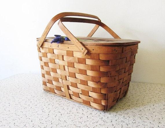 vintage picnic basket / woven wooded picnic basket