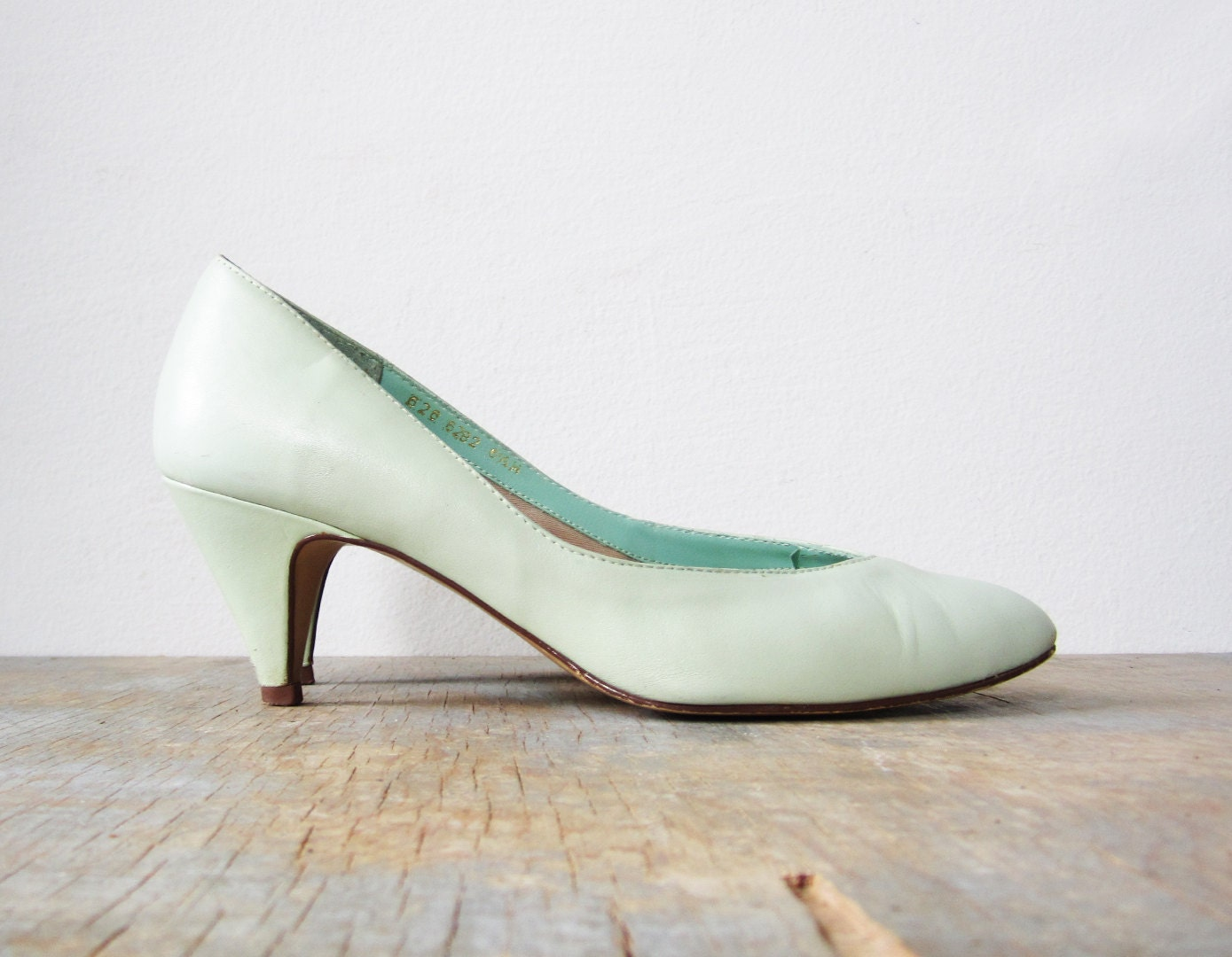vintage 70s high heel mint green shoes 6 5