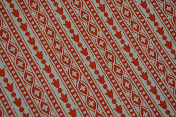 Vintage 1970s Waverly Bicentenniel Heirloom Fabric 6 Yards Upholstery Weight Red Bellflower Columns