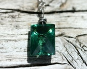 Big Green Faceted Gemstone and Silver Necklace