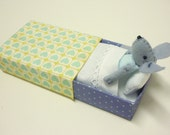 Felt mouse in match box bed