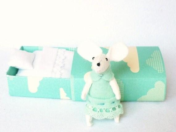 Mouse plush mint in matchbox
