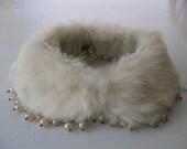 VINTAGE. rabbit fur. COLLAR. pearl. 1950s. CREAM.