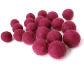 Felt Balls Pink Fushia - 20 Pure Wool Beads 15mm -   (W201)