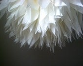 IVORY / 1 tissue paper pom pom / wedding decorations / diy / anniversary / baptism / ivory decorations / baby shower / party decoration