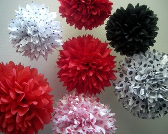 LADYBUGS  ...7 tissue paper poms // picnic birthday // mickey mouse party // ladybug // party decorations