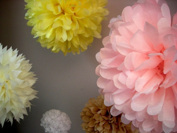 CUSTOM COLORS / 10 tissue paper pom poms / wedding decorations / diy  / baby shower decoration / pompom / baby shower tissue paper pom