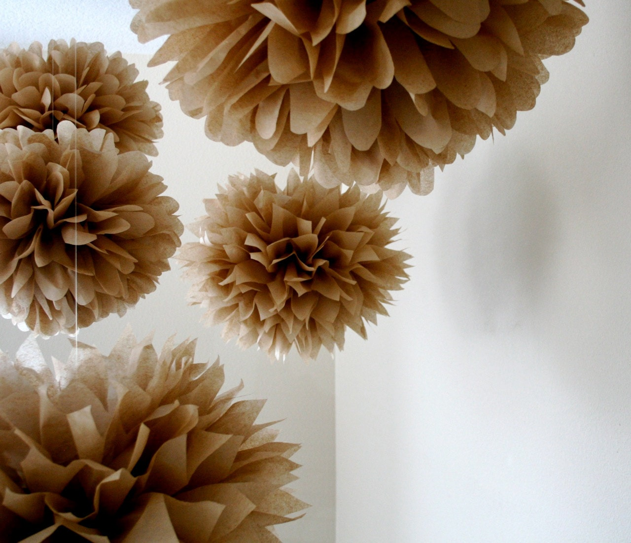 neutral 10 tissue paper pom poms diy wedding decorations. Black Bedroom Furniture Sets. Home Design Ideas