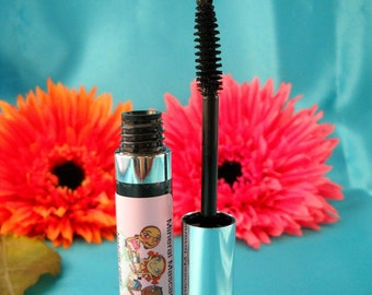 All Natural Mineral Mascara in VERY BLACK Unscented  made from non-toxic ingredients radish root ferment  gentle mascara
