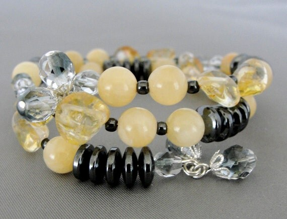 SALE Pale Yellow Gemstone and Charcoal Hematite Beaded Wire Bracelet