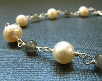 Labradorite and Cream Pearl Bracelet -  Gemstone Bracelet