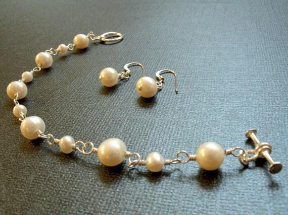 Delicate Cream White Pearl Bracelet and Earring Set - Feminine Bridal White Bracelet