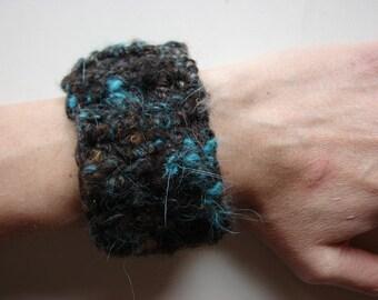 Handspun Organic Wool Bracelet Cuff