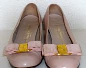 Sz 5.5 Vintage pink leather Salvatore Ferragamo shoes.