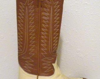 Sz 7.5 Vintage leather two tone Tony Lama women cowboy boots.
