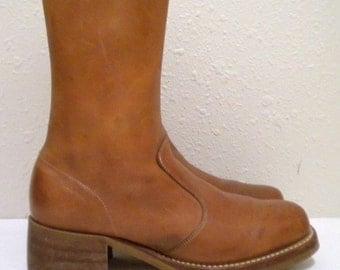 Sz 7.5 men, Sz 9.5 women Vintage burnt orange zip up ankle boots.