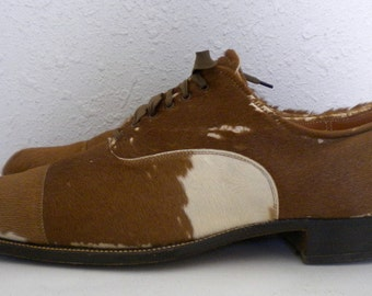 Sz 10 Vintage brown cow hair lace up 1960s Howard and Foster men shoes.