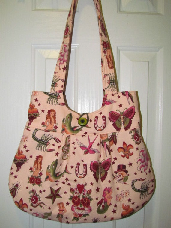 Tattoo Purse in Peach