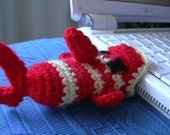 PATTERN Fish cozy, witty amigurumi for your usb bar or lip balm, FREE SHIPPING