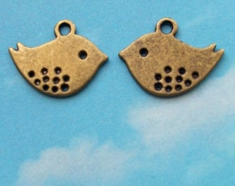 SALE - 20 flat bird charms with dotted wing detail, bronze tone, 17mm, SALE