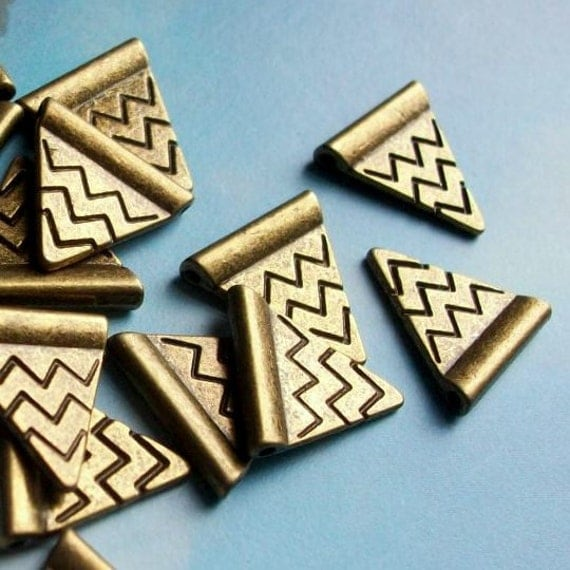 reserved for greyleafjewelry, 20 bronze triangle pennants, 14mm (plus 30 blank diamond brass tag charms)