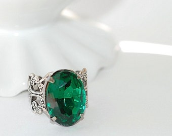 FREE SHIPPING Vintage Ring Emerald Green oval  Old Hollywood bridal weddings Shabby chic style silver plated filigree