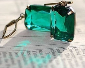 FREE SHIPPING Emerald Earrings Vintage Estate Classic Clear Green Old Hollywood Brass Settings Bridal Bridesmaids weddings Special Day