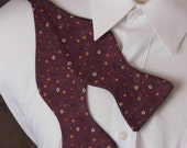 Reversible Bow Tie - Plum and Blackberry Jam with scattered Dots Bow Tie