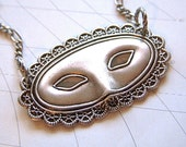 Venetian Mask Necklace Victorian Gothic Steampunk Pendant Vintage Style Design Antiqued Silver Masquerade Mask Fashion Accessory