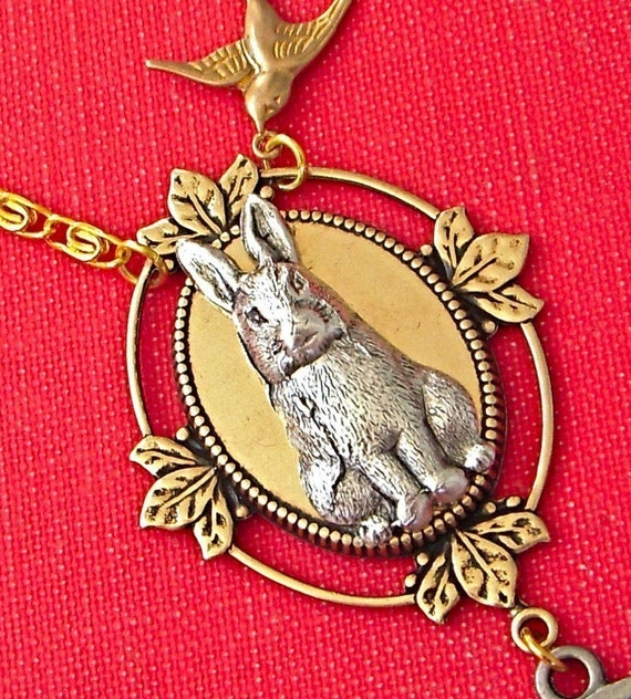 RABBIT IN WONDERLAND NECKLACE