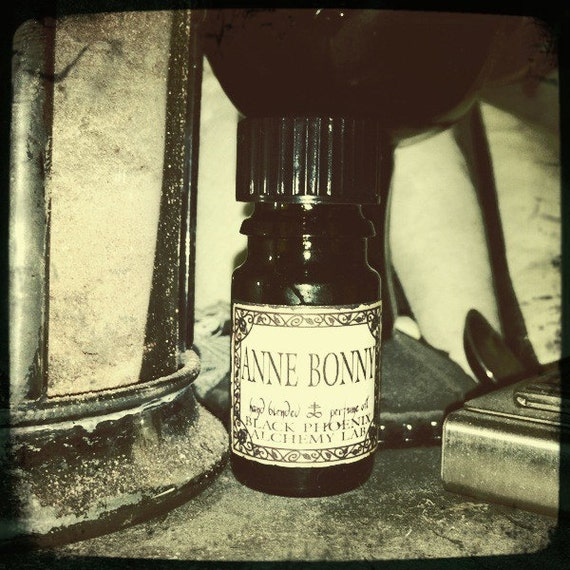 Anne Bonny: Black Phoenix Alchemy Lab Perfume Oil 5ml