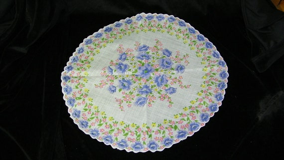 "Vintage 14"" Round Lavender Poppies Floral Doily Quilting Handkerchief, 7323"