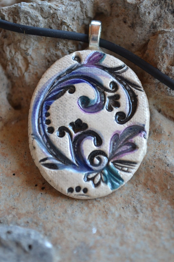 FEATHERS OF PURPLE clay necklace